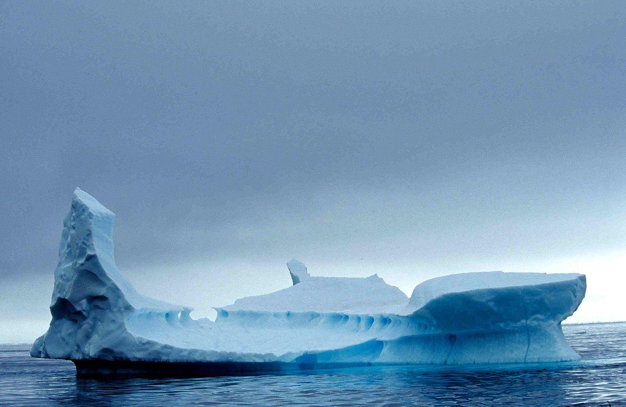 1280px-Iceberg_10_2001_07_23