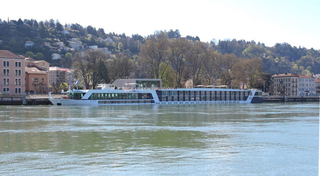 AmaCello across the Rhone