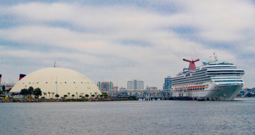 Carnival Splendor docks at Long Beach