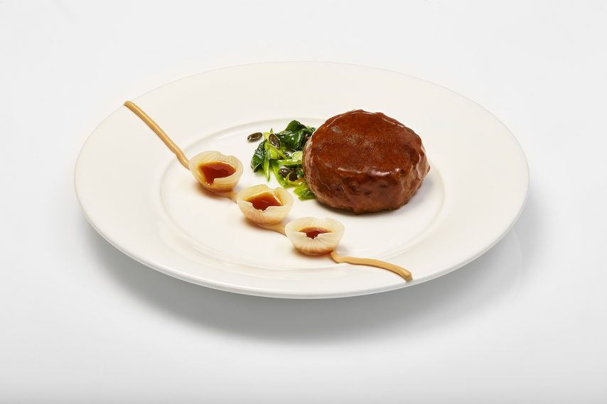 Duck Royal and cream of foie gras with onions, by Ramon Freixa