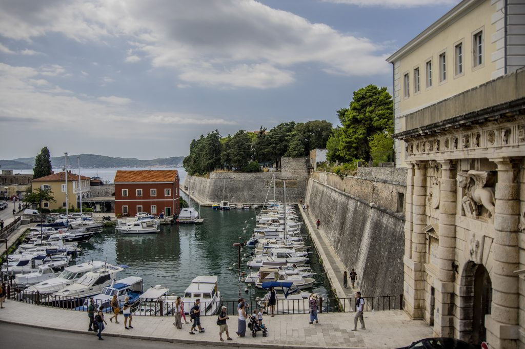 how to travel from zadar to dubrovnik