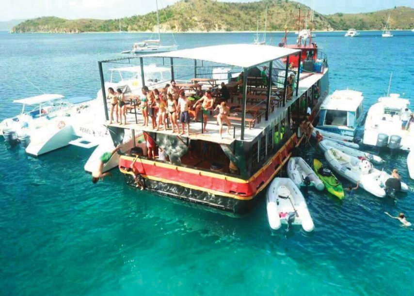 Willy T Floating Bar, Tortola