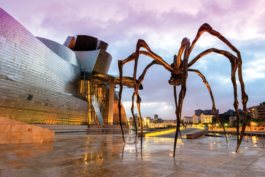 Maman spider sculpture by artist Louise Bourgeois, Guggenheim Museum, Bilbao, Basque Country, Spain