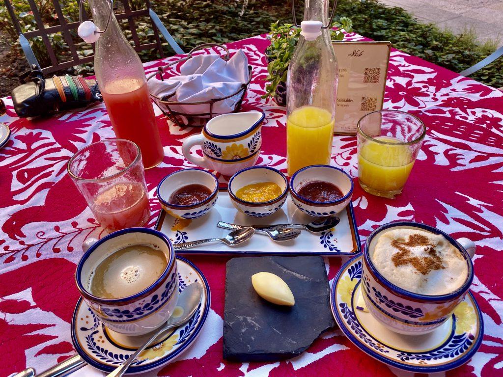 Breakfast at Rosewood