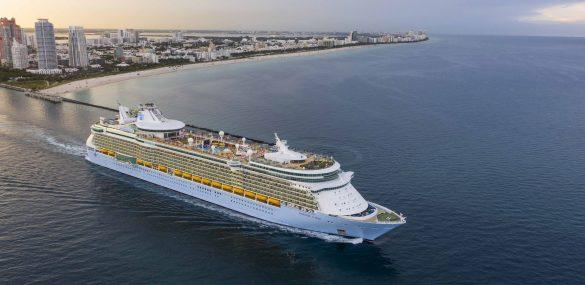 """Cruisers React to """"Cruise Karen"""" Who Threw Fit After Testing Positive Onboard"""